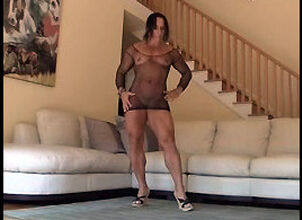 Muscle woman anal