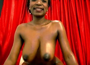 Naomi Hewer  nackt